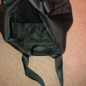 lululemon athletica Bags - Lululemon workout/travel bag